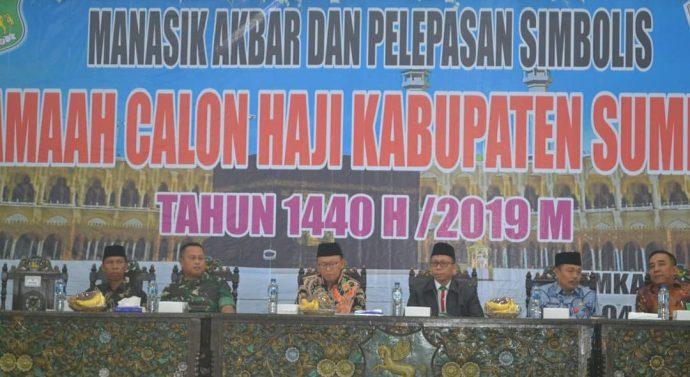 Bupati Sumenep, Bersama Dandim 0827 Dampingi Pelepasan Simbolis Jama'ah Haji Kabupaten Sumenep 1440 H/2019 M