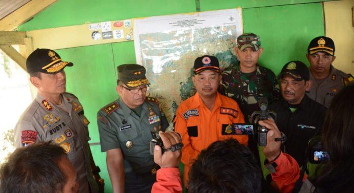 Usai Tutup TMMD Pangdam III/Slw dan Kapolda Jabar Tinjau Karhutla  di Gunung Ciremai.