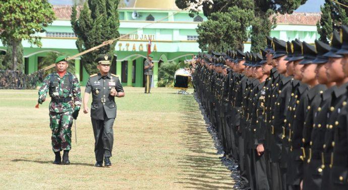 PANGDAM III/SILIWANGI LANTIK DAN SUMPAH PRAJURIT SISWA DIKMATA TNI AD GELOMBANG I TA 2019