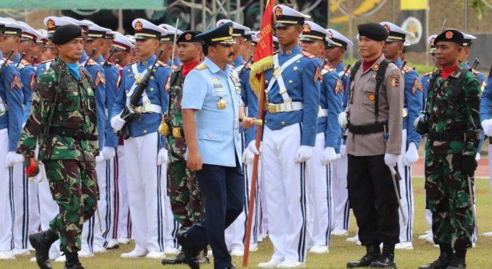 WISUDA PRAJURIT TARUNA AKADEMI TNI DAN BHAYANGKARA DUA TARUNA AKADEMI KEPOLISIAN DI PIMPIN PANGLIMA TNI
