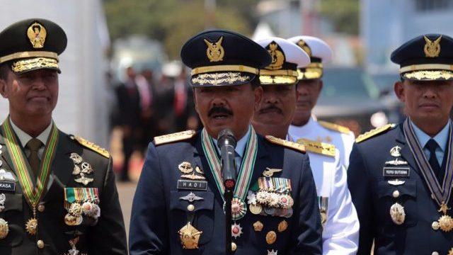 "HUT TNI KE -74 ""TNI PROFESIONAL KEBANGGAAN RAKYAT"""