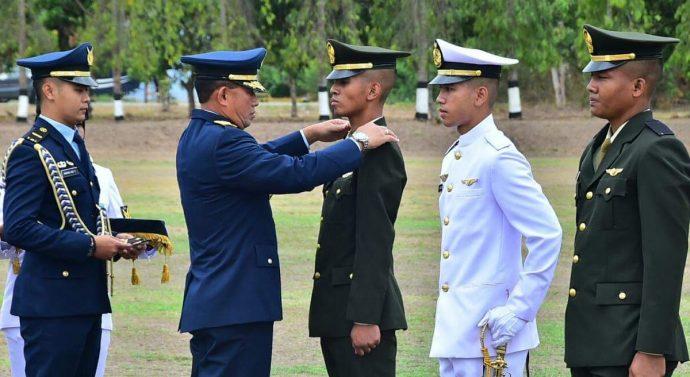TUGAS KALIAN MENGUDARA PUNGKAS 'KASAU DI SEKOLAH PENERBANG WINGDAY TNI AU
