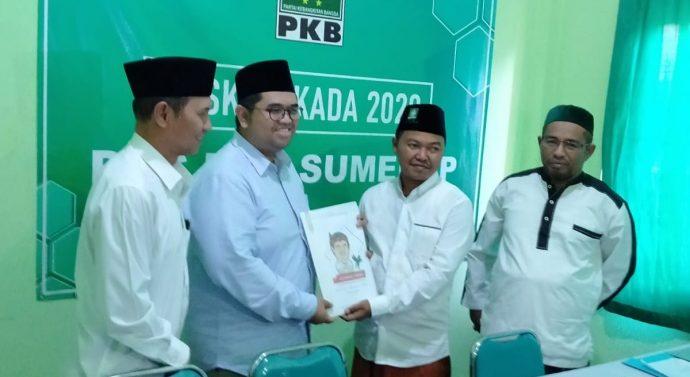MANTABKAN NIAT, ACHMAD YUNUS KEMBALIKAN FORMULIR PENCALONAN DI PILKADA SUMEMEP 2020