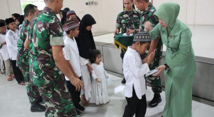 KODIM 0611/ GARUT SYUKURAN DAN SANTUNAN ANAK YATIM DALAM MEMPERINGATI HARI JUANG TNI AD