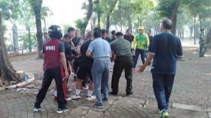 "SEBUAH BUNGKUSAN PLASTIK MELEDAK ""DUA ANGGOTA TNI MENJADI KORBAN"""