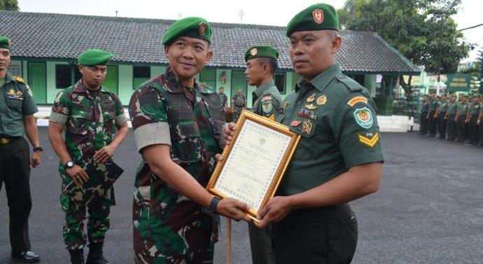 Acara pelepasan Personil SATGAS TER Kodim 0611/Garut ke Wilayah Kodam XVII/Cendrawasih dan XVIII/Kasuari dan pemberian Piagam penghargaan Kepada personil berprestasi