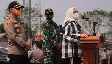 """KAPOLRES KARAWANG BERSAMA MUSPIDA MELAKSANAKAN GERAKAN BHAKTI SOSIAL SERENTAK,  """"POLRI-TNI PEDULI COVID-19"""""""