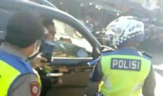 ANGGOTA POLRESTABES BANDUNG MARAH SAAT DITERGUR TIDAK PAKAI MASKER