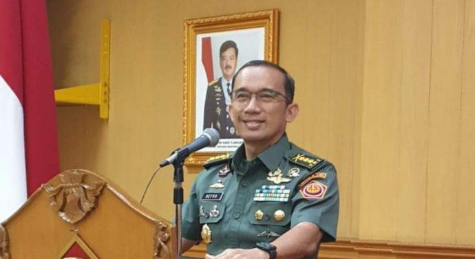 RUSLAN BUTON PECATAN TNI DITANGKAP  KARENA MINTA JOKOWI MUNDUR