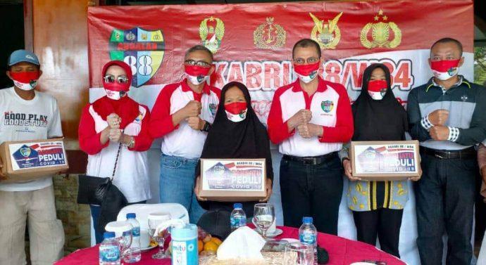 Danrem 064/MY Alumni Akabri 88-W84 Menyerahkan Bansos 1500 Paket Sembako kepada Masyarakat*