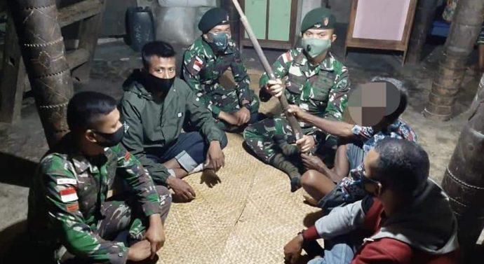 Warga  Kembali Percayakan Satu Pucuk Senjata Api Miliknya Diserahkan Kepada TNI