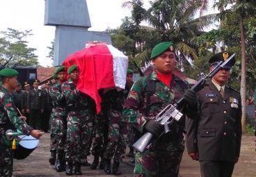 1 ANGGOTA TNI GUGUR DALAM KONTAK SENJATA DENGAN KKB DI INTAN JAYA PAPUA