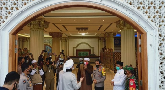 KAPOLDA JABAR SILATURAHMI KE PONPES ISLAM INTERNASIONAL ASY SYIFFA WALMAHMUDIYAH PAMULIHAN SUMEDANG