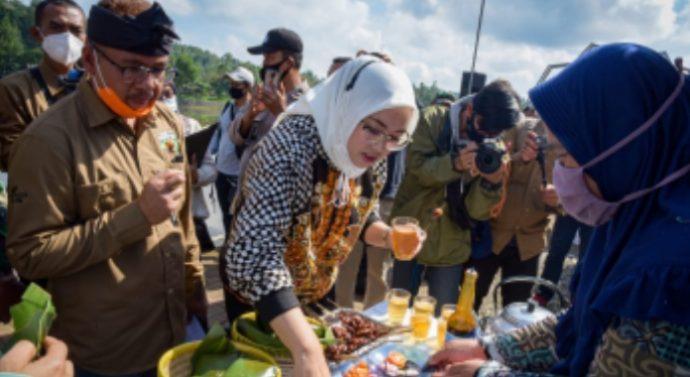 HIBAUAN BUPATI PURWAKARTA PEDAGANG MARANGGI HARUS TERPAKAN PROKES DI FESTIPAL MARANGGI 2020