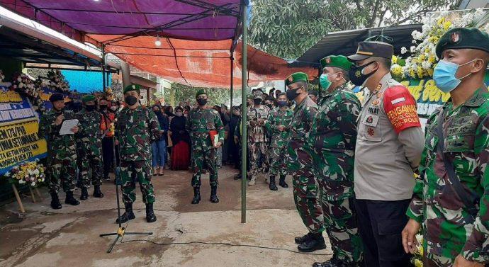 Dandim 0624/Kab. Bandung wakili Danrem 062/Tn Pimpin Upacara Penyerahan Jenazah Almarhum Praka (Anumerta) Rio Vebriyanto