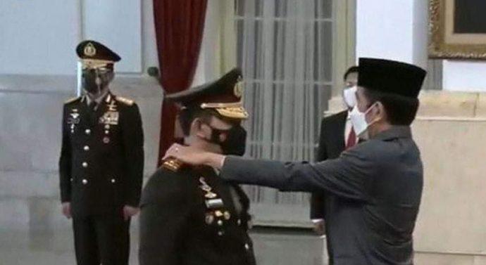 PRESIDEN JOKOWI RESMI LANTIK JENDERAL POLISI  DRS. LISTYO SIGIT PRABOWO SEBAGAI KAPOLRI