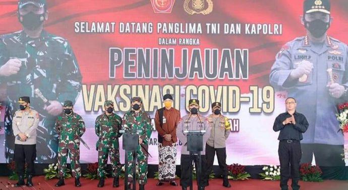 Panglima TNI dan Kapolri Cek Pelaksanaan Vaksinasi di Semarang